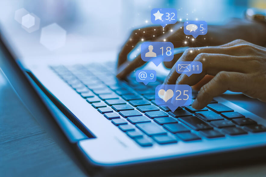 Employee Social Media B2b