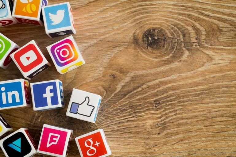 b2b fintech social media